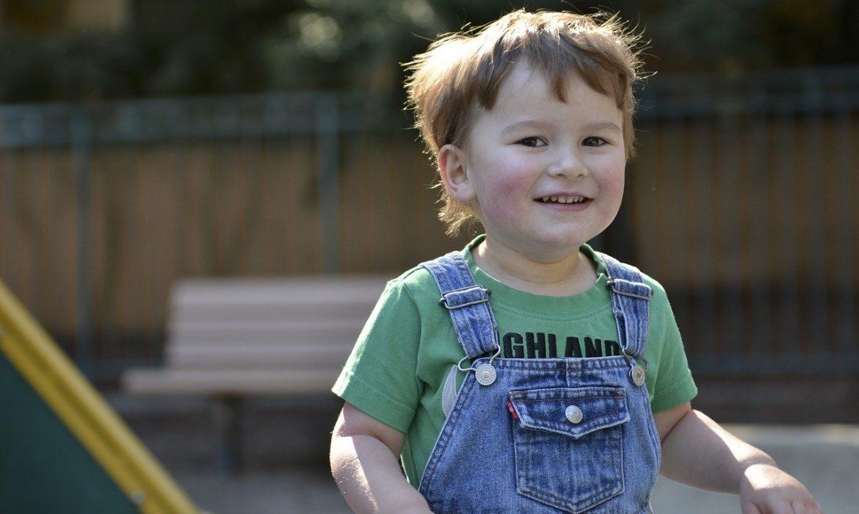Quels sont les rôles des groupes de soutien aux personnes atteintes du syndrome d'Asperger ?