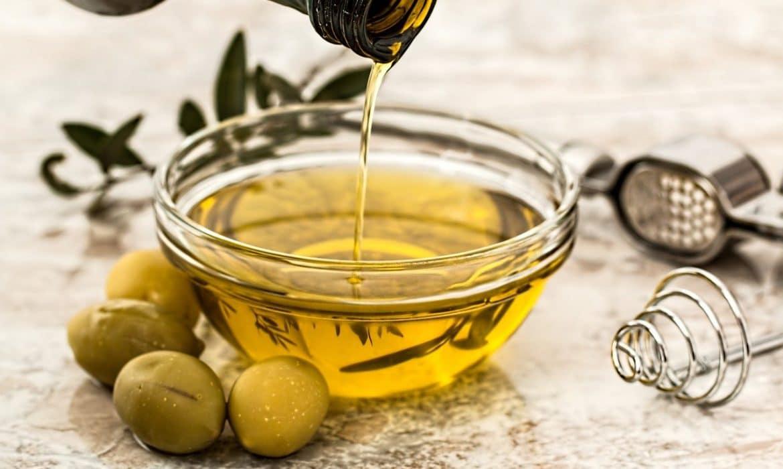 L'huile d'olive est-elle bonne pour les cheveux ?