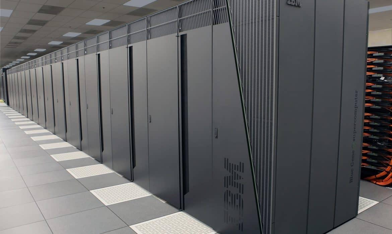 Comment IBM utilise-t-il les capteurs intelligents et la modélisation informatique au lac George ?